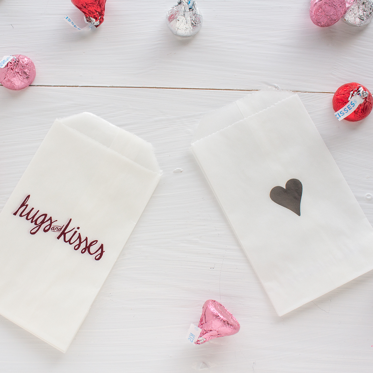 glassine-bags-valentines-silver-heart